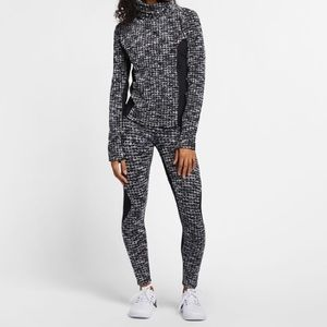 Nike Pro Dressy legging Top Outfit